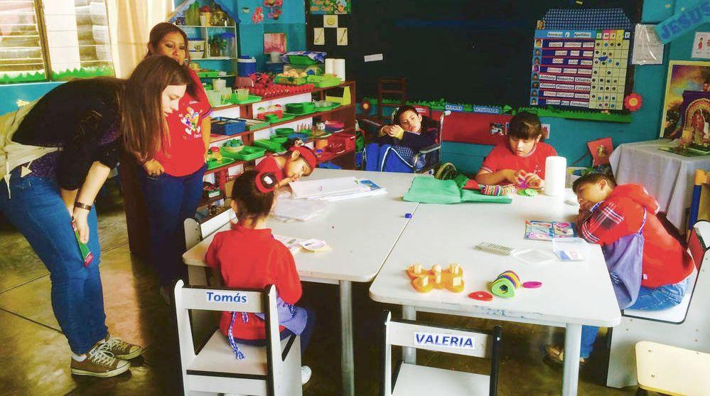 kinder-mit-behinderung-autismus-projekt-unterricht