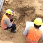 archäologie-projekt-ausgrabungen-skelett